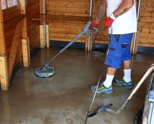 Überschwemmung im Haus Schlammboden Auersthal 2019 Allessauber Kim