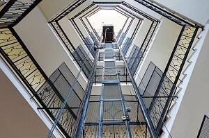 Aufzuganlagenreinigung Stiegenhaus Allessauber Kim Gebäudereinigung