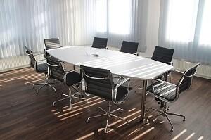 Bueroreinigung Unterhaltsreinigung Konferenzraum reinigen ALLESSAUBER