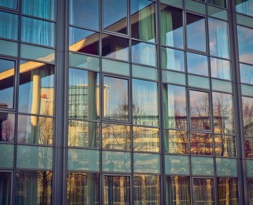 Fensterreinigung Glasfassade Haubetreuung Hausbetreuuer Hauswart Gebäudereinigung Grünflächenbetreuung Privatobjekt Allessauber Kim