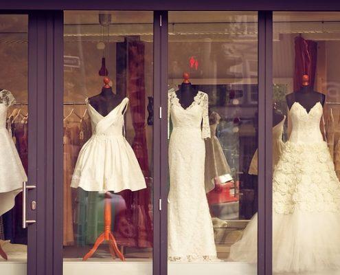 Schaufenster reinigen Geschäftslokal Reinigung Filiale Filialbetrieb Fensterreinigung Büro putzen Warteraum privat gewerblich Putzfrau WC Toilette ALLESSAUBER