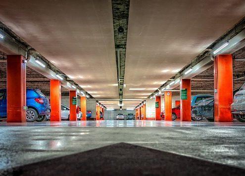 Garage Reinigung Tiefgarage Einkaufszentrum Shopping Center Filliale Einkaufspassage Geschäft Fensterreinigung Büro putzen Warteraum Konferenzzimmer Rezeption ALLESSAUBER