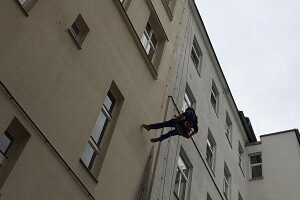 Industriekletterer Taubenabwehr Dachfensterreinigung Allessauber Kim