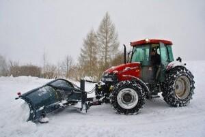 Winterdienst Schneeraeumung Schnee raeumen Schnee schaufeln Salzstreuung Splittstreuung ALLESSAUBER
